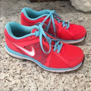 Nike Dual Fusion Coral and Blue Tennis Shoes